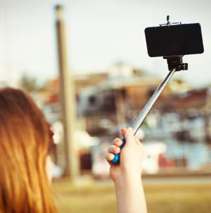 Selfie Stick Narzissmus