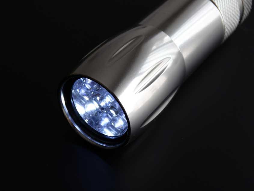 Taschenlampe für bessere Smartphone-Bilder